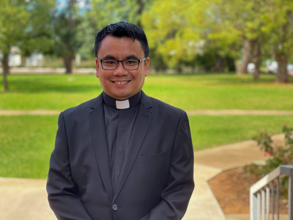 Rev Jomer Calma
